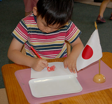 boy-drawing-japanese-flag